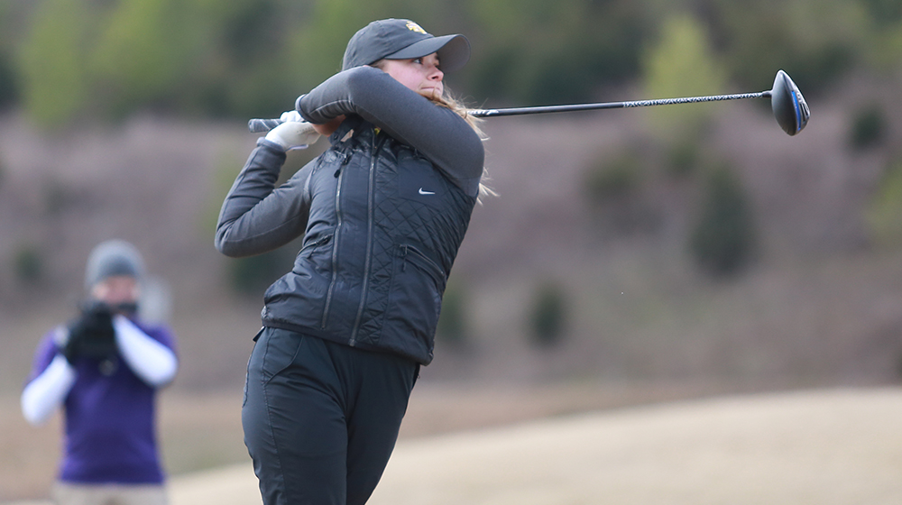 Dunn paces field at EKU Colonel Classic, leads Tech to third-place ranking after day one