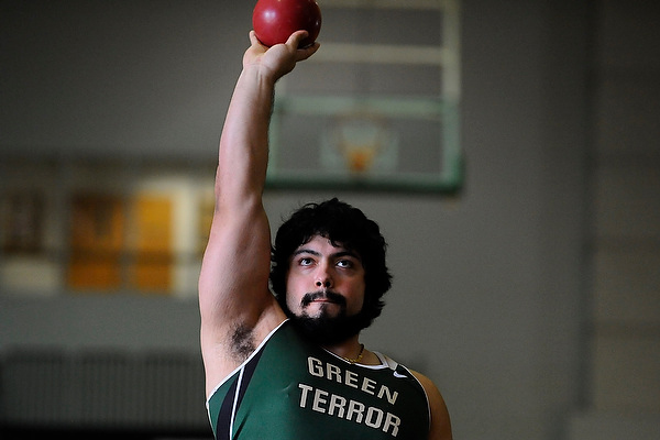 Hernandez sets new mark in weight throw