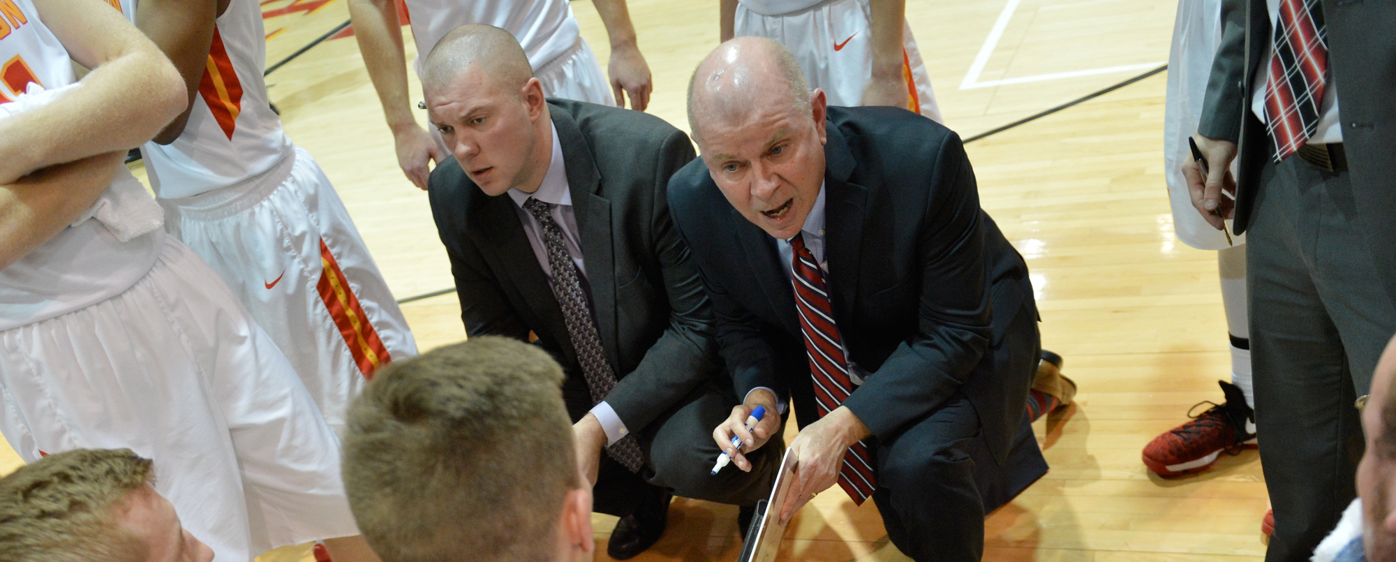Storm fall to Grand View despite 29 from Amsbaugh