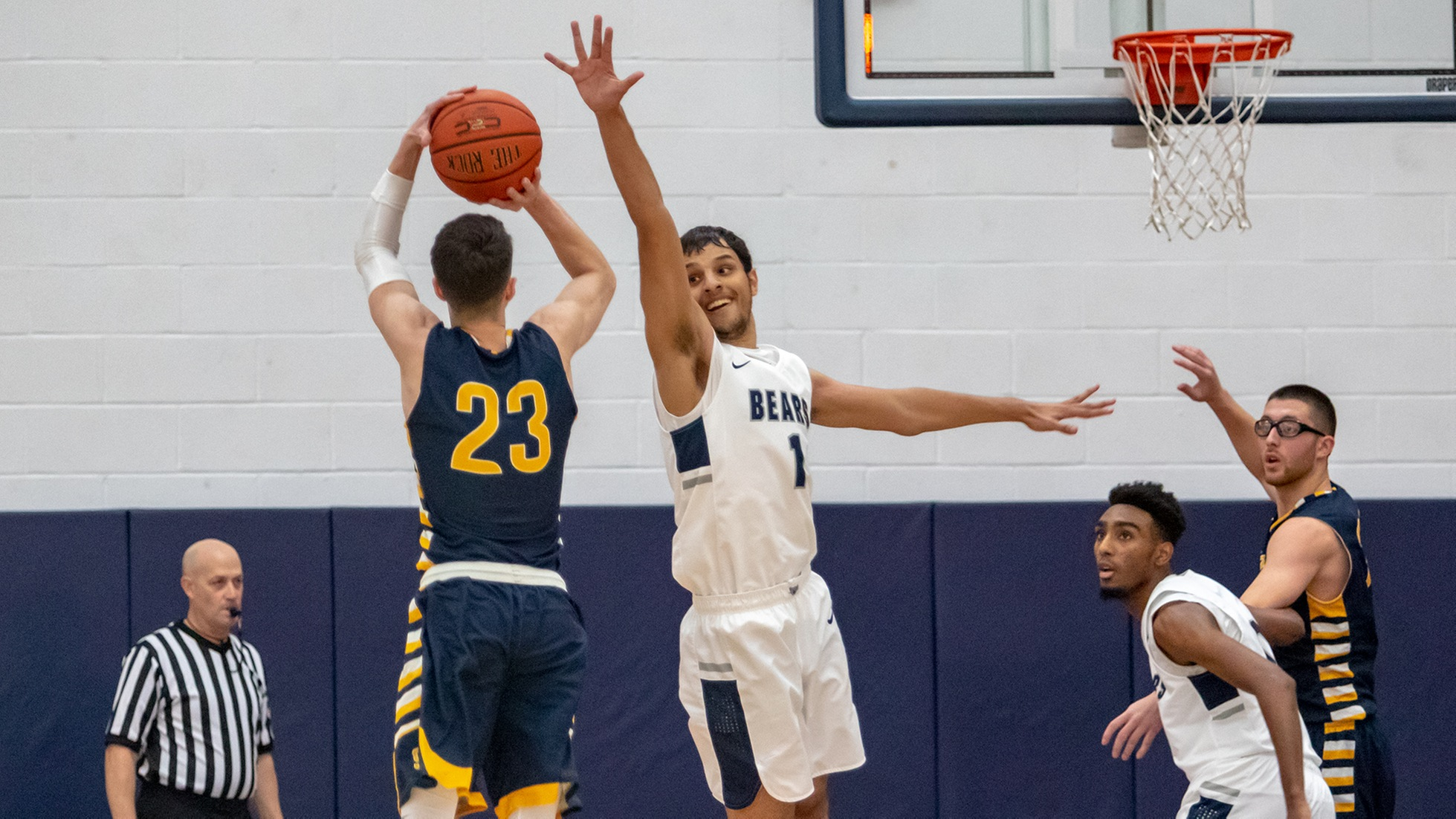 Men's Basketball Extends Streak to Four in Overtime Thriller Over SJC Long Island
