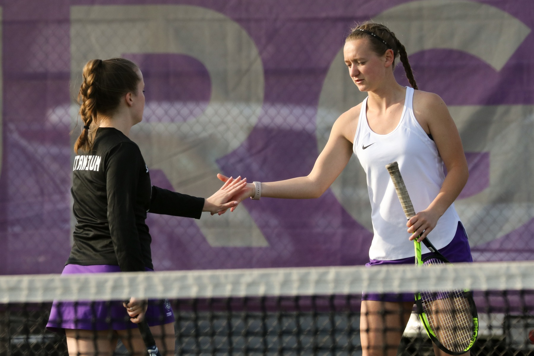Girls Tennis Tops the Quakers