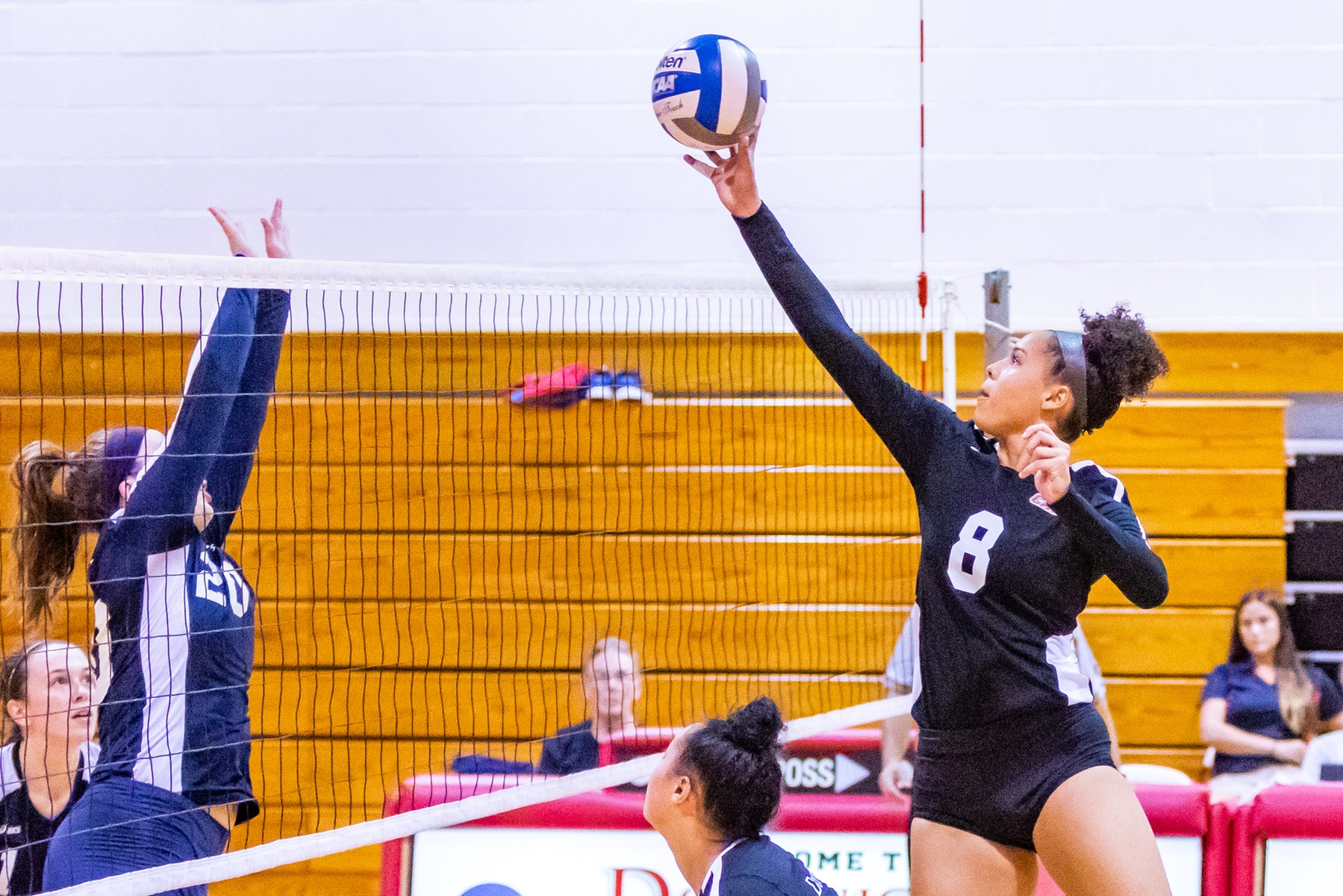 WOMEN'S VOLLEYBALL SWEPT BY GOLDEY-BEACOM