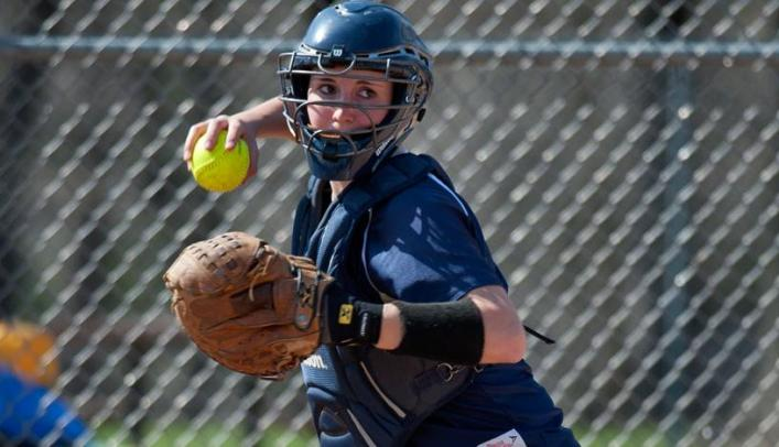 Softball Closes Spring Break with Split