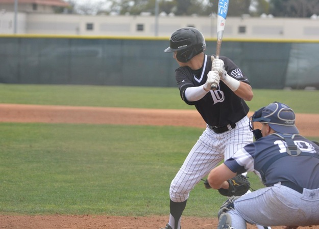 Vikings Rally in Fifth Inning Against LA Mission to Win Game