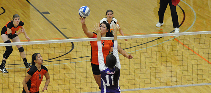 Volleyball Opens Season Against Pomona-Pitzer & Chapman