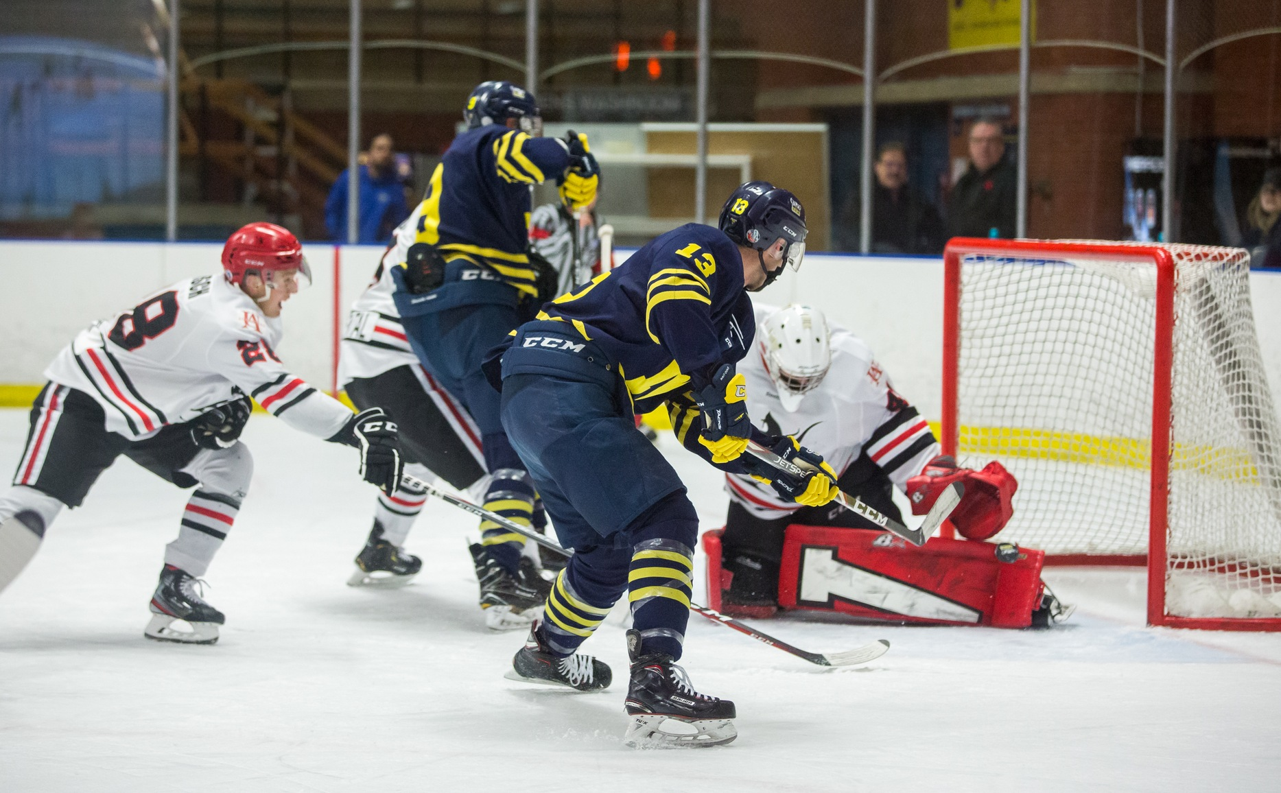 Ooks erase early deficit to beat Vikings