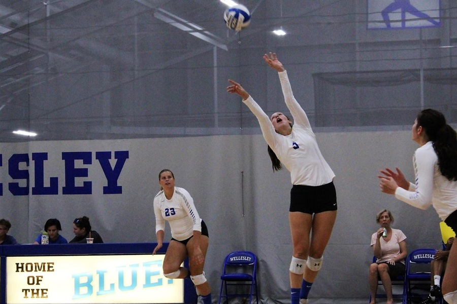 Izzy Seebold had 35 assists, eight digs, and a pair of aces in the win (Caitlin Gordon).