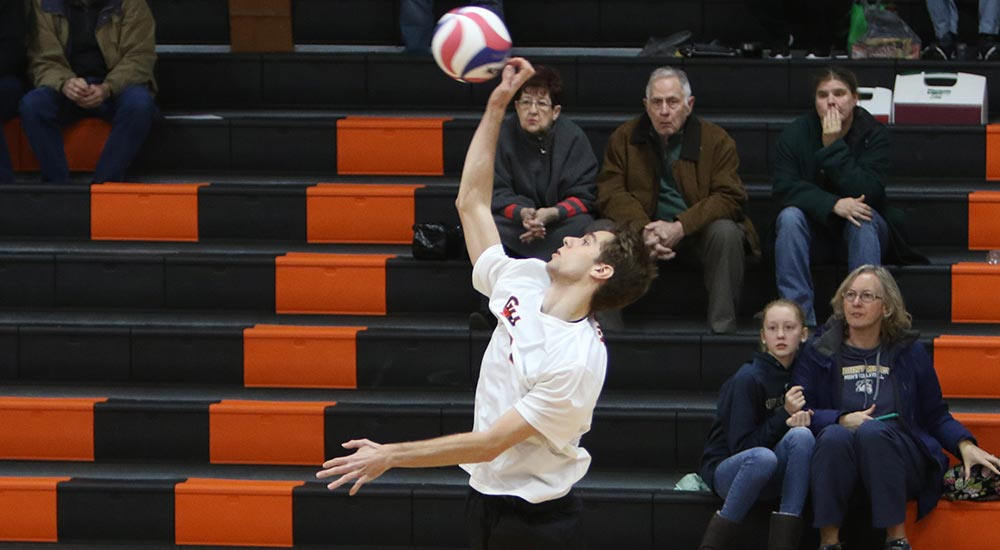 Men's volleyball opens Nelson era with split on opening night