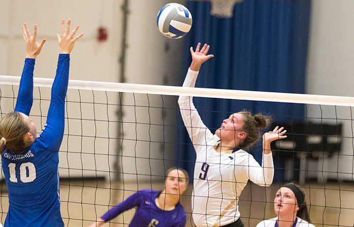 Women's Volleyball Falls in Home Opener to Southern New Hampshire