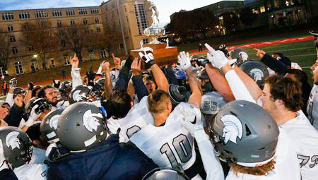 #14 CWRU Tops Carnegie Mellon 41-34 in Overtime Thriller to Claim UAA Championship