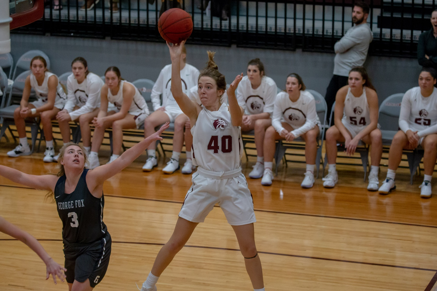 Women's Basketball Opens 2019-20 With Win Over #8 George Fox