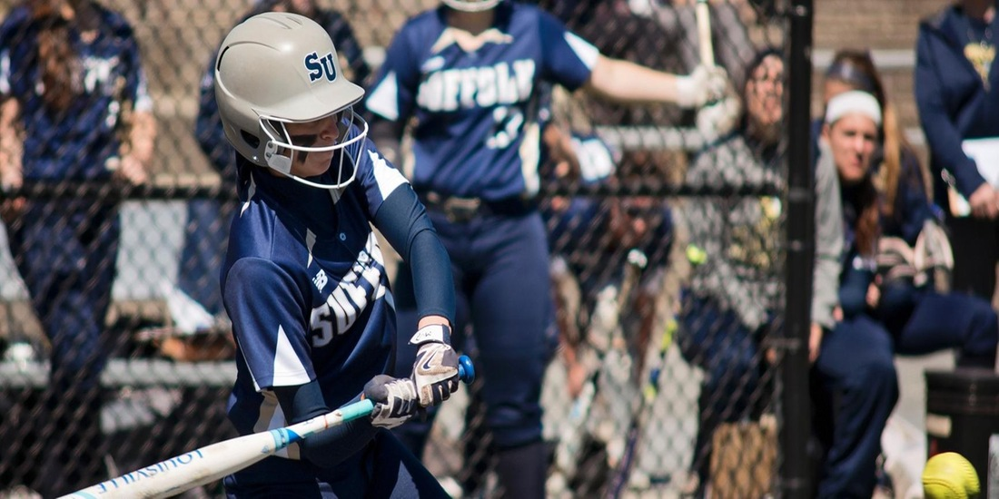 Late Rally Pushes Softball Past Gordon, 4-2