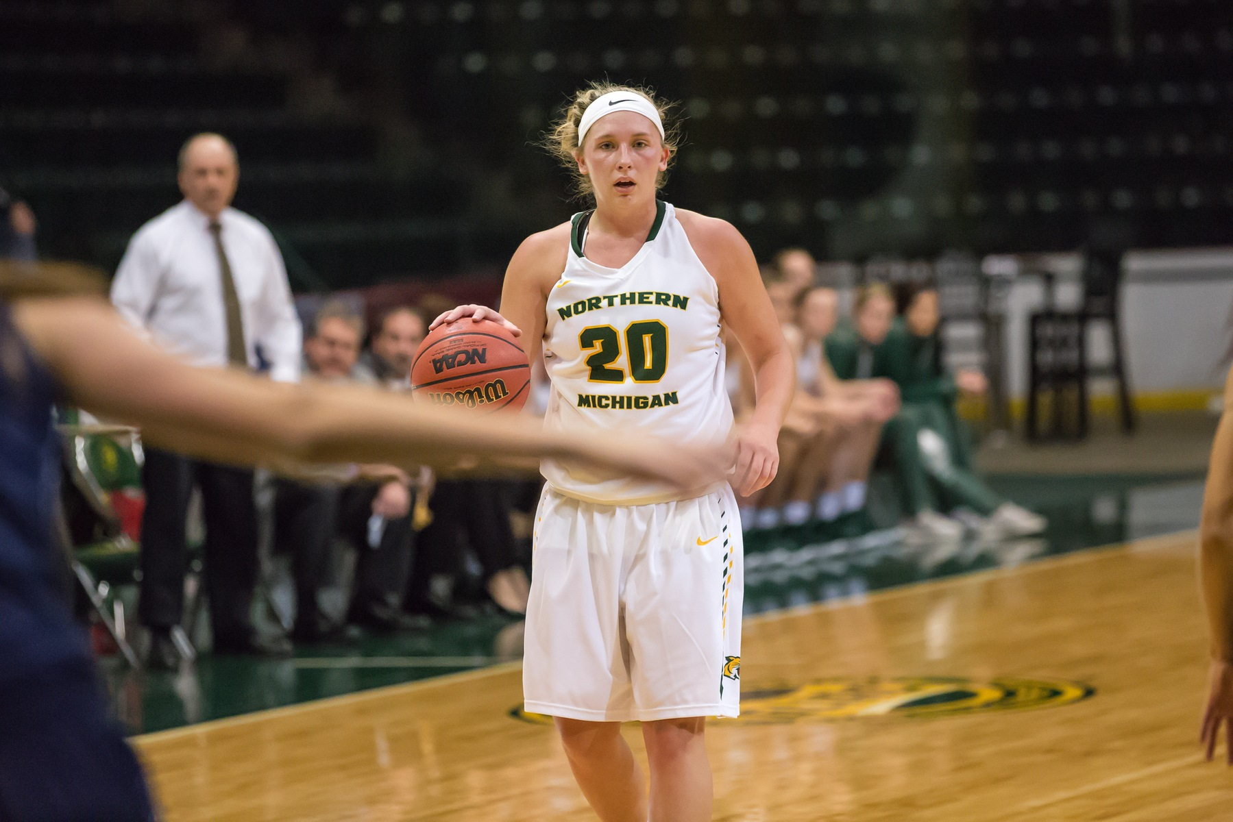 Women's Basketball Now 4-1 After 61-54 Victory Over MSU-Moorhead