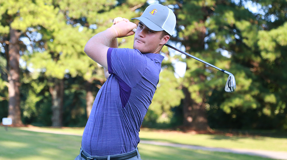 Golden Eagles complete round one of GolfWeek Program Championship