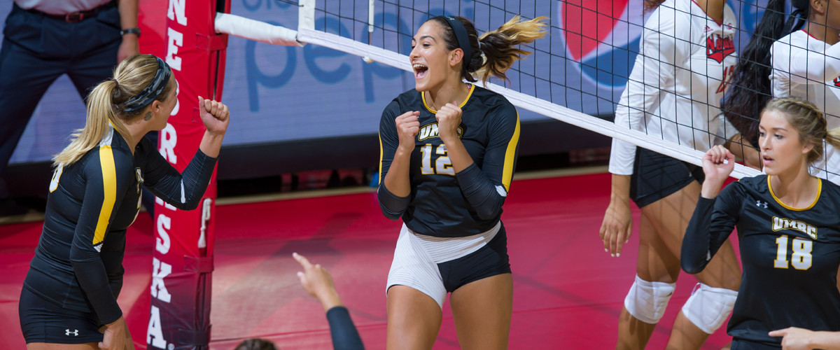 Volleyball Sweeps George Washington; Freeman Named Tournament MVP