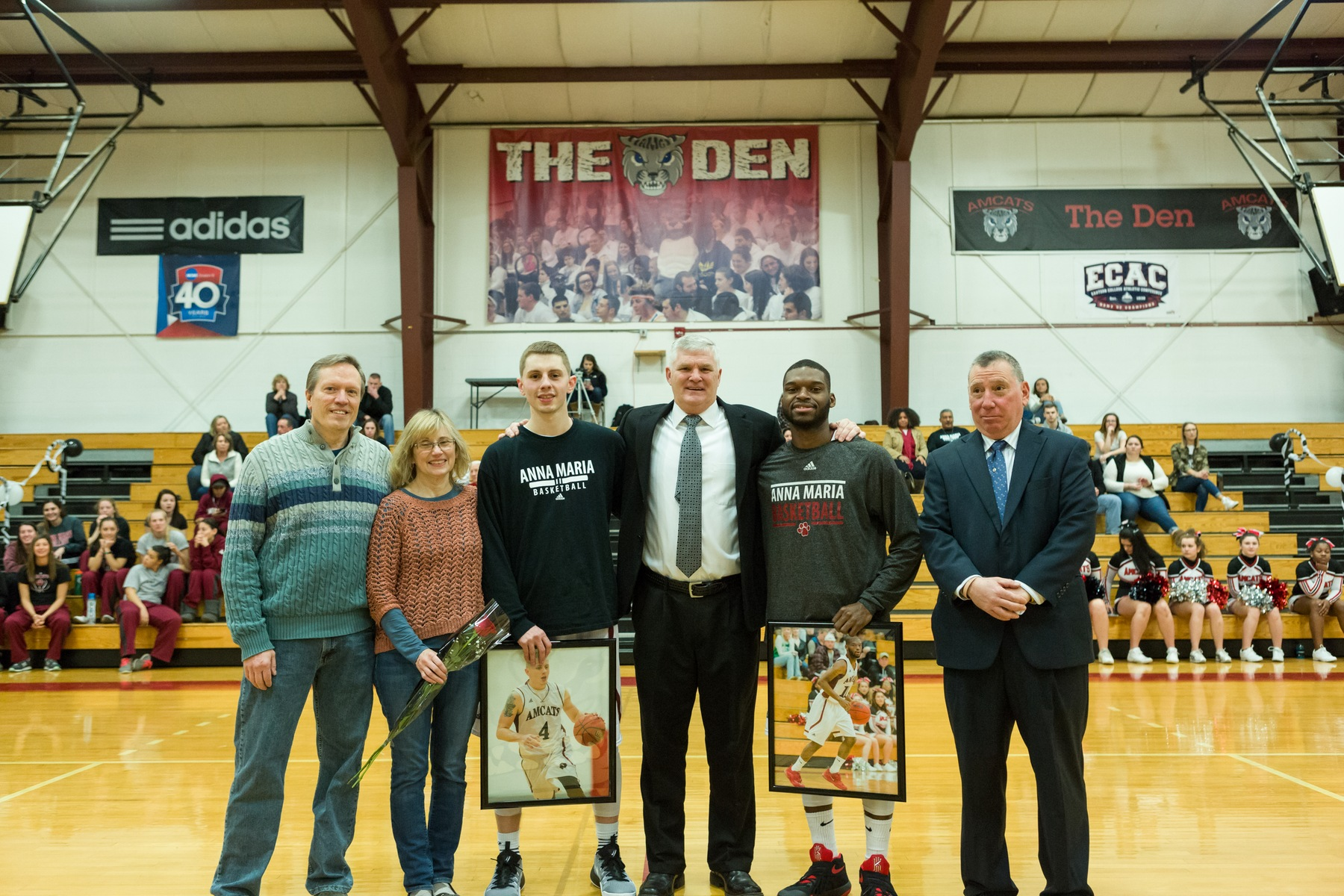 Men's Basketball Soars Past Raiders on Senior Day, 99-76