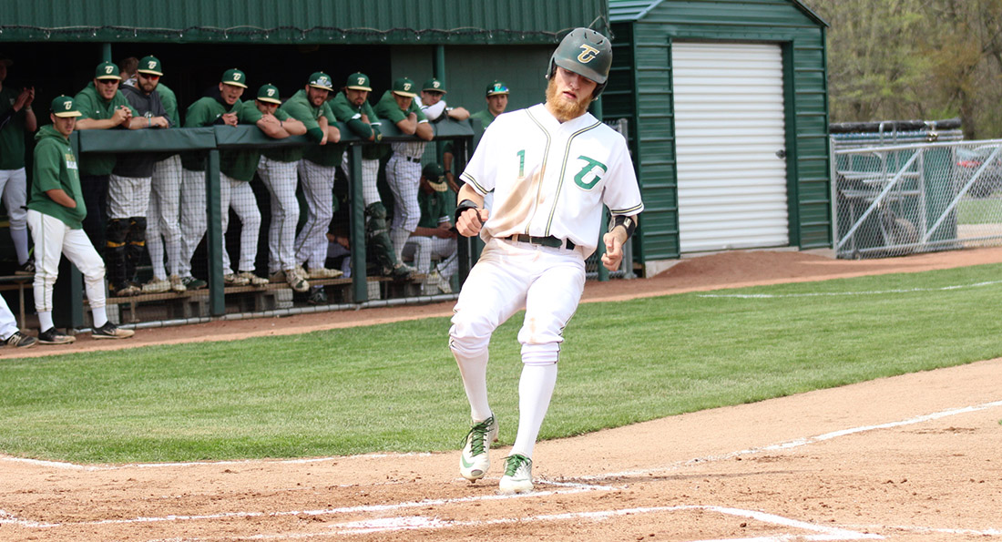 Dragons Overpower Oilers for Game Two Win, Split with Findlay