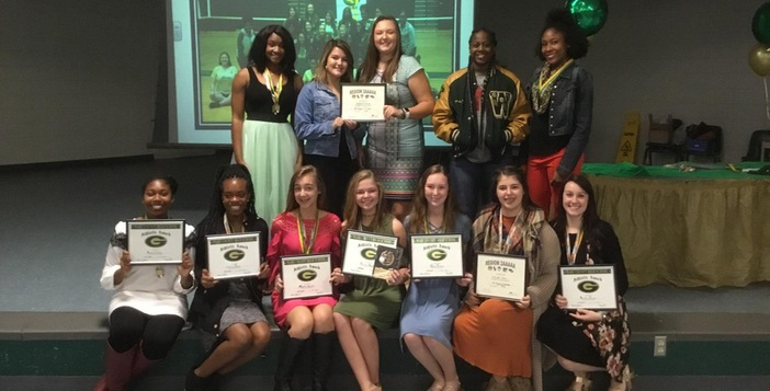 Lady Gator Volleyball Team Celebrates Season with Banquet