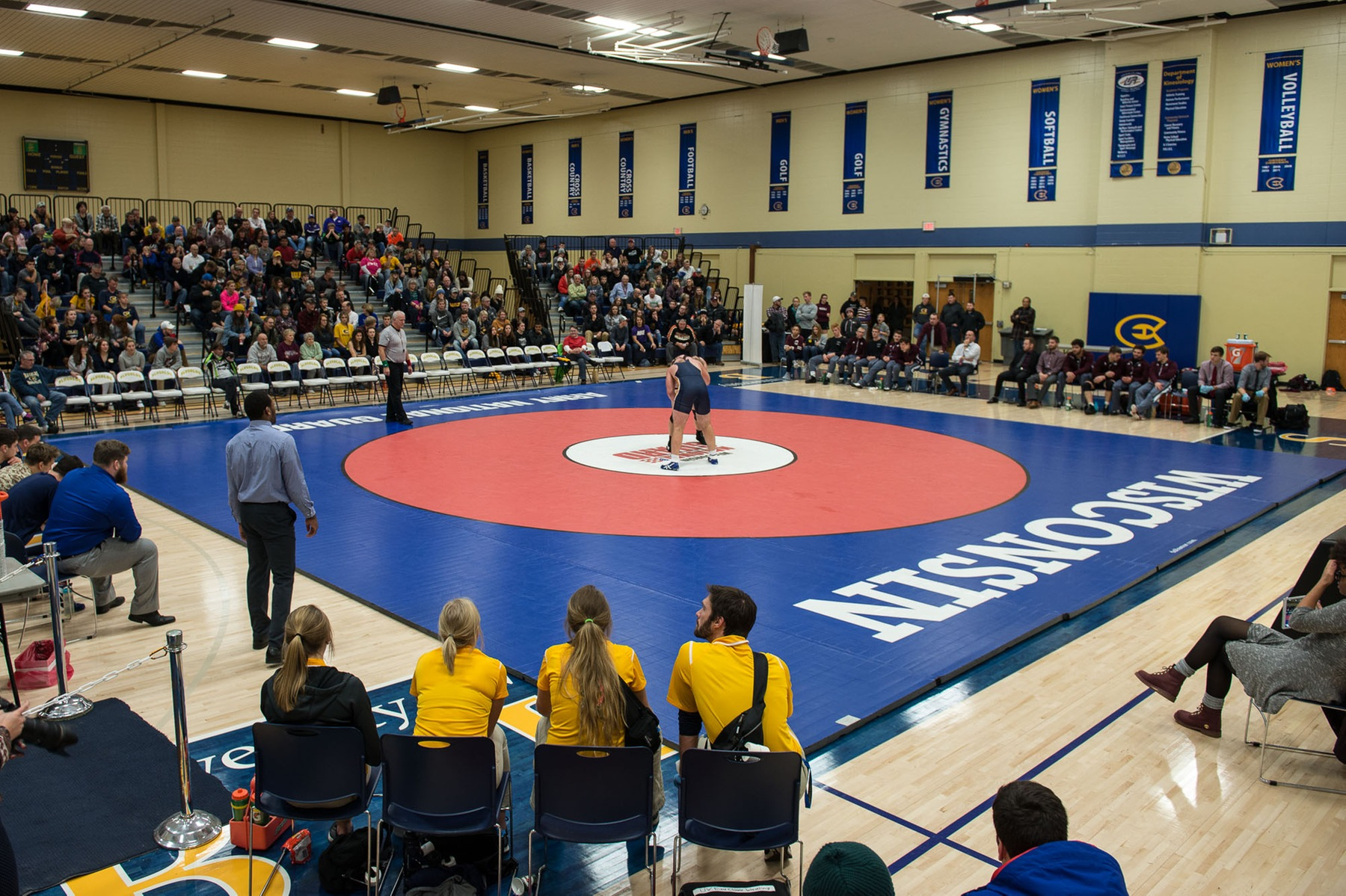 Blugolds wrestle in day one of Pete Willson-Wheaton Invitational