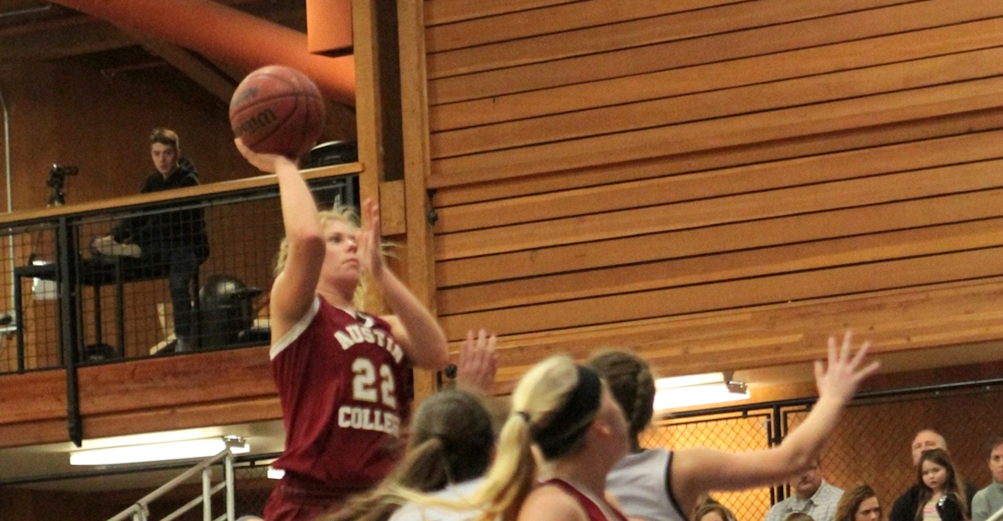 'Roo Women Top TLU in Overtime to Stay Unbeaten in SCAC Play