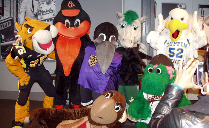 "Wild Stang Participates in ""Meet the Mascots"" at Sports Legends Museum"