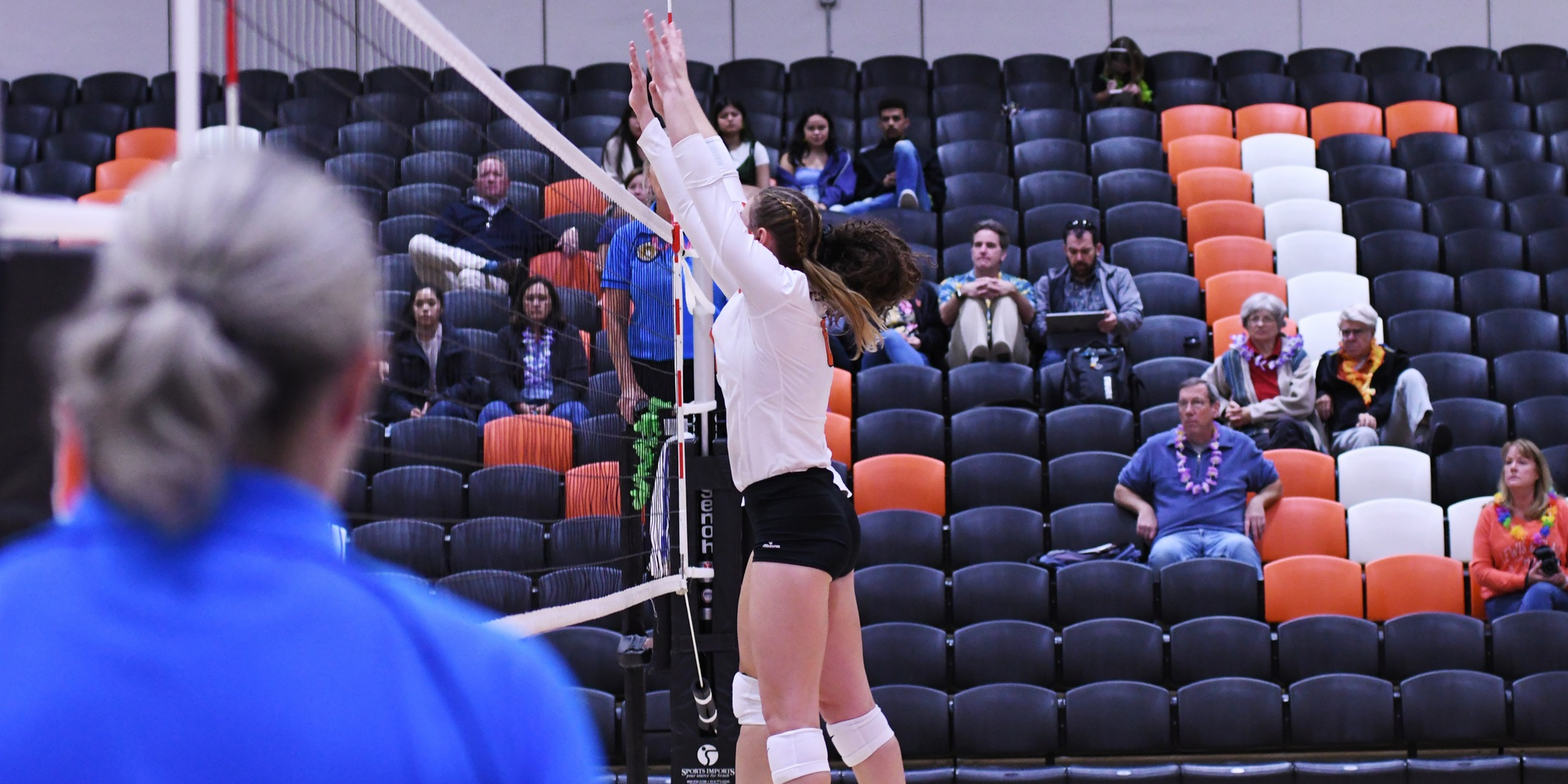Pios take five-set thriller against third-place Pacific