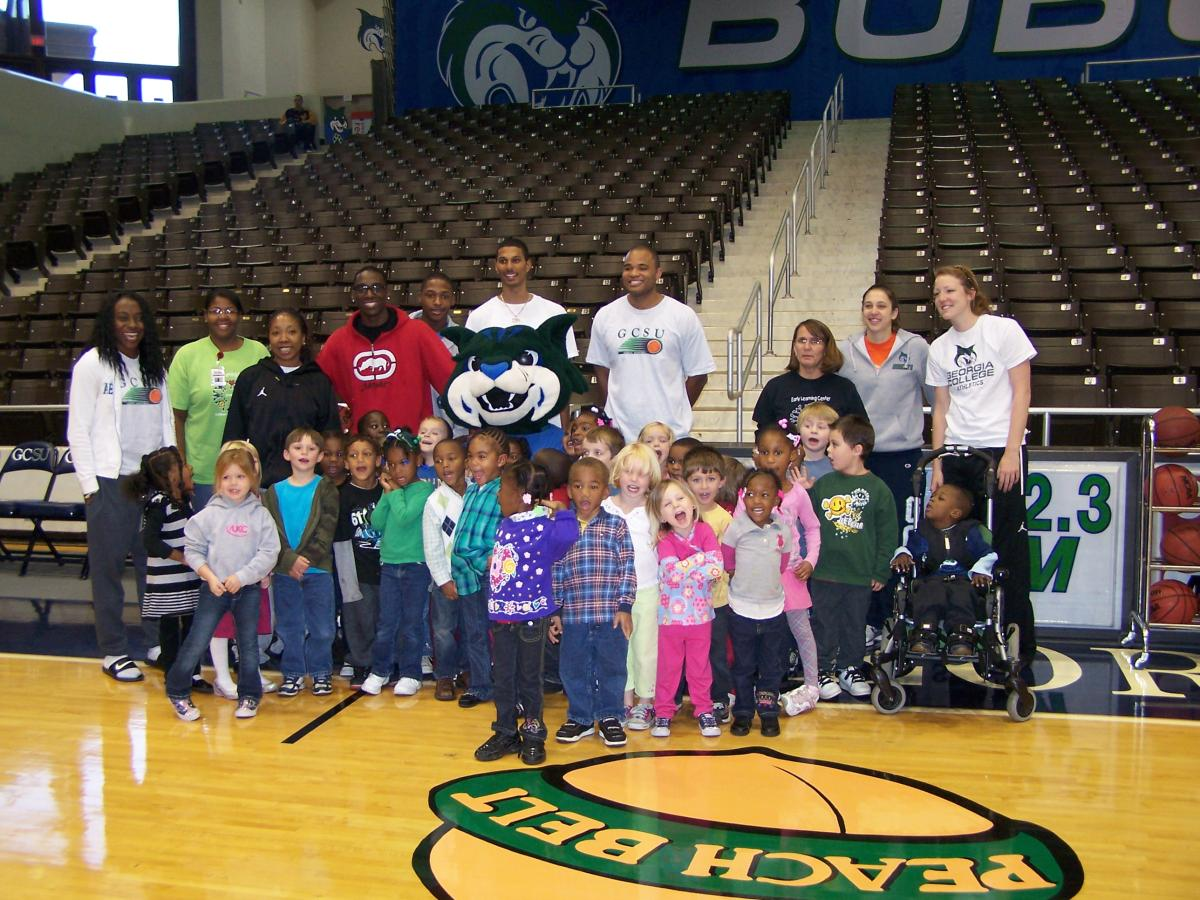 Bobcat Basketball Hosts Field Trip for Pre-K Youngsters