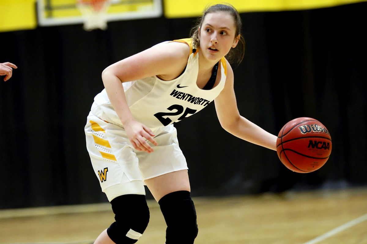 Seahawks Pull Away from Women's Basketball