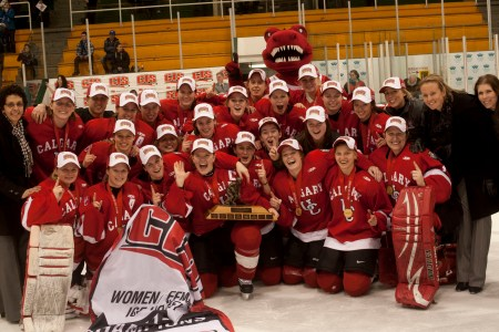 FINAL: Calgary Dinos win first-ever women's hockey gold