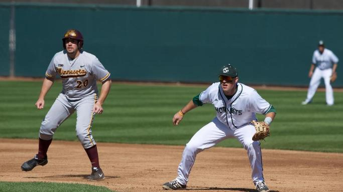 BASEBALL EDGED BY MINNESOTA 2-1 IN SERIES OPENER