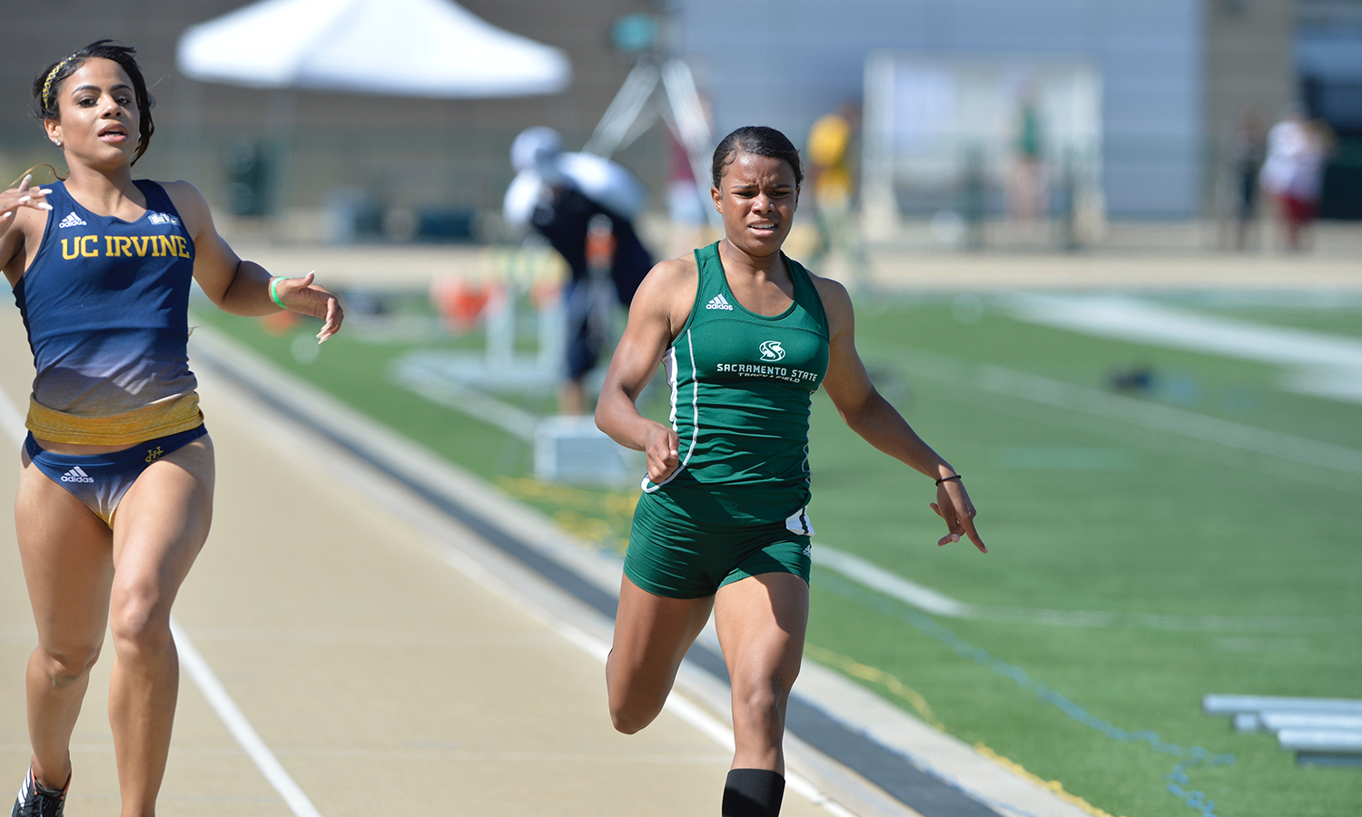 WOMEN'S TRACK & FIELD WINS, MEN SECOND AT UC RIVERSIDE SPRING CLASSIC