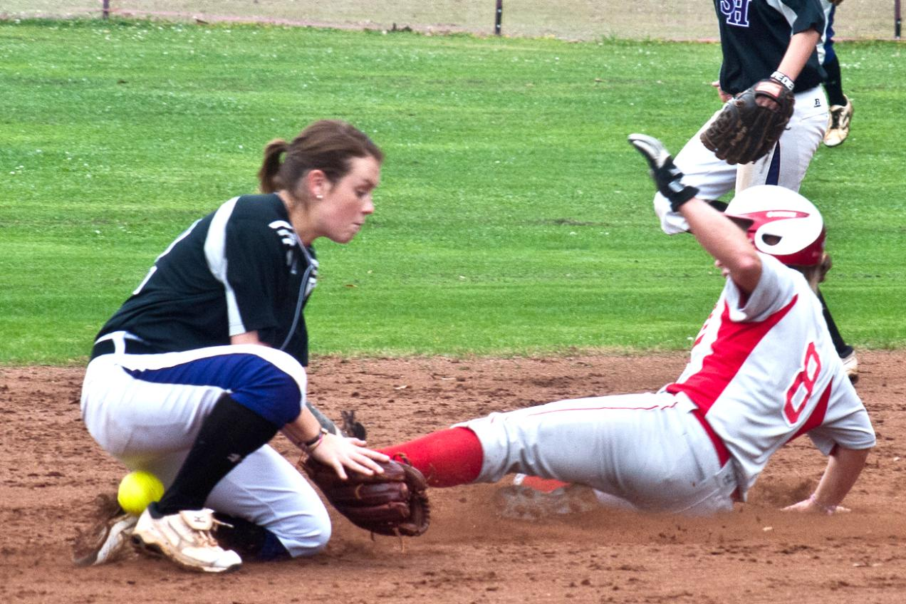 Huntingdon softball splits with Spring Hill in first home games of the season