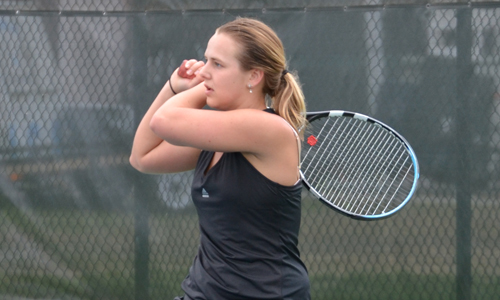 Jennifer Nyman watches the backhand winner in singles play. Photo taken by Ellie Bartholomew.