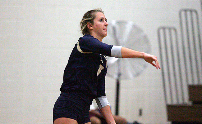 Women's Volleyball Sweeps Capital