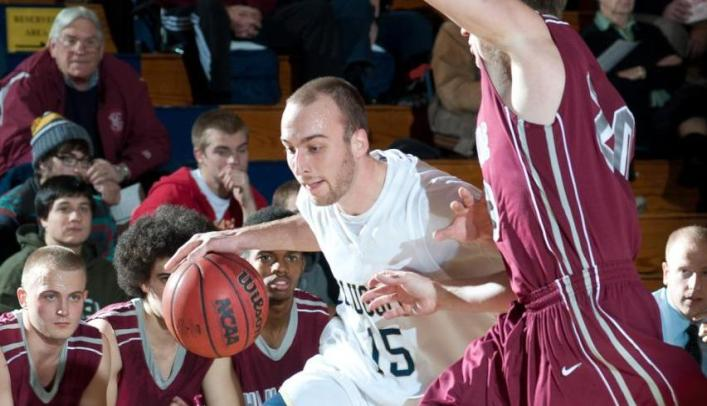 Craggs Reaches Career-High as Men's Basketball Beats Oshkosh