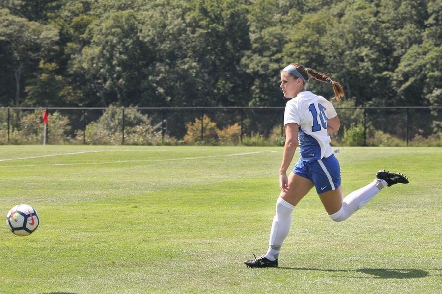 Junior Hannah Knoll had Wellesley's best chance to score in the 69th minute (Miranda Yang).