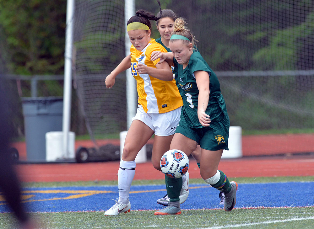 Women's Soccer Blanks Mass Maritime