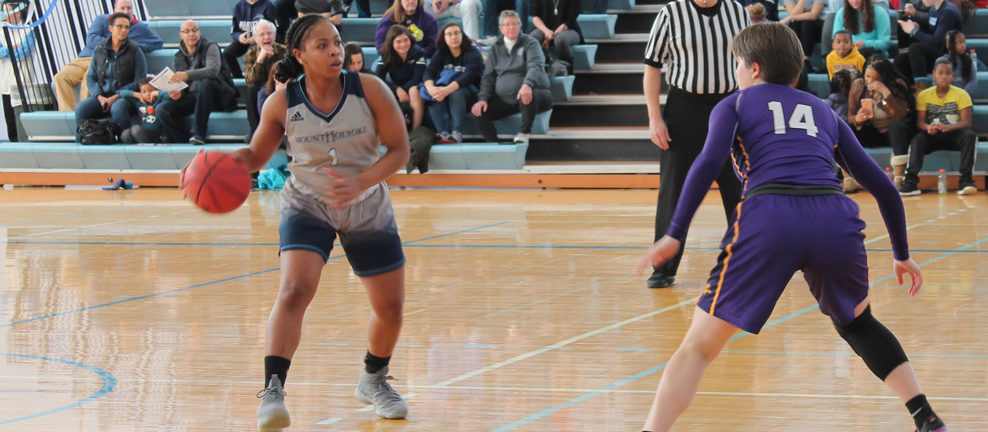 Action photo from the Feb. 16, 2019 basketball game against Emerson College of Lyons student-athlete Zahkeyah Allen.