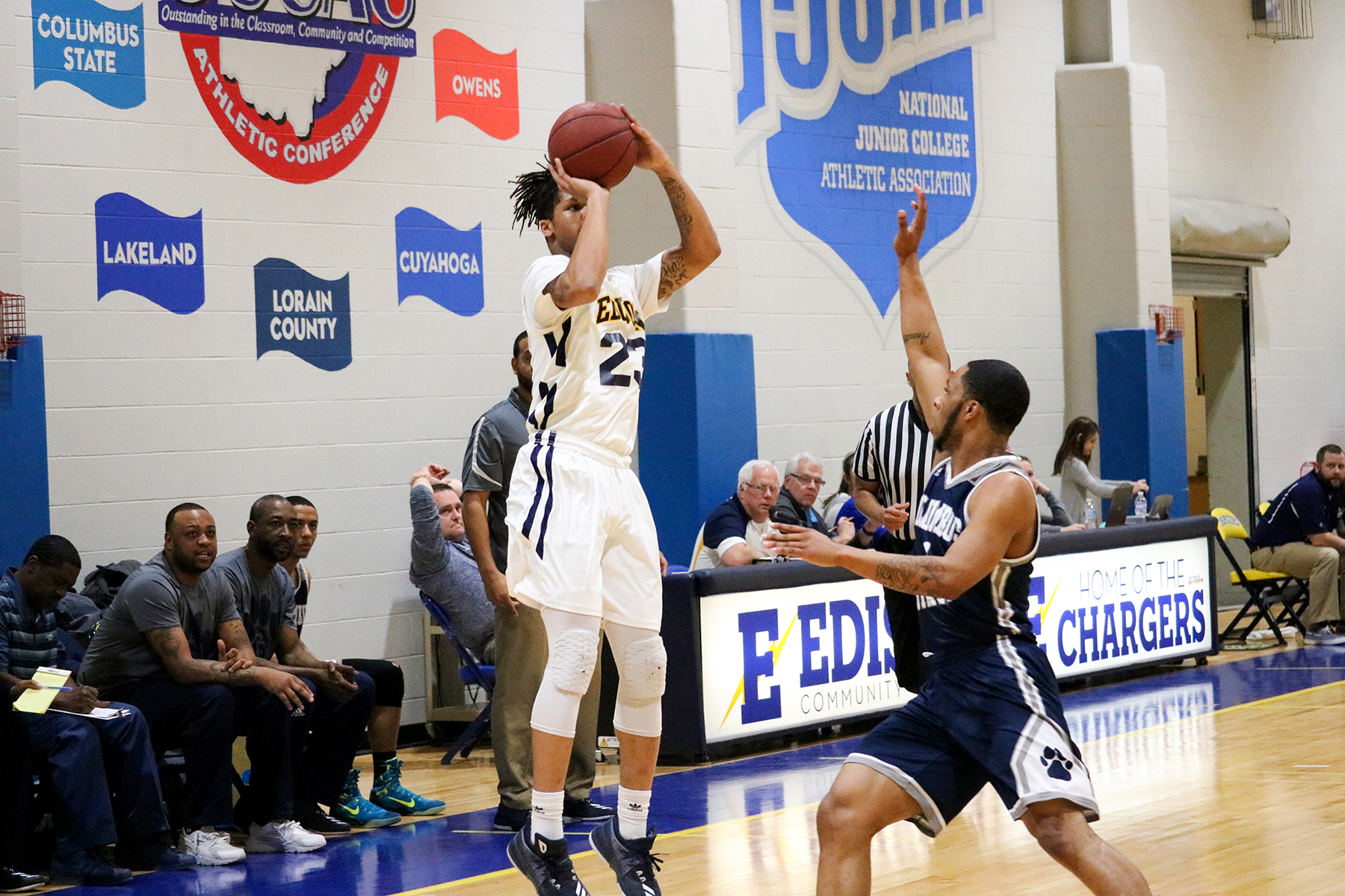 Charger Men Win 112-72 Over Hocking College