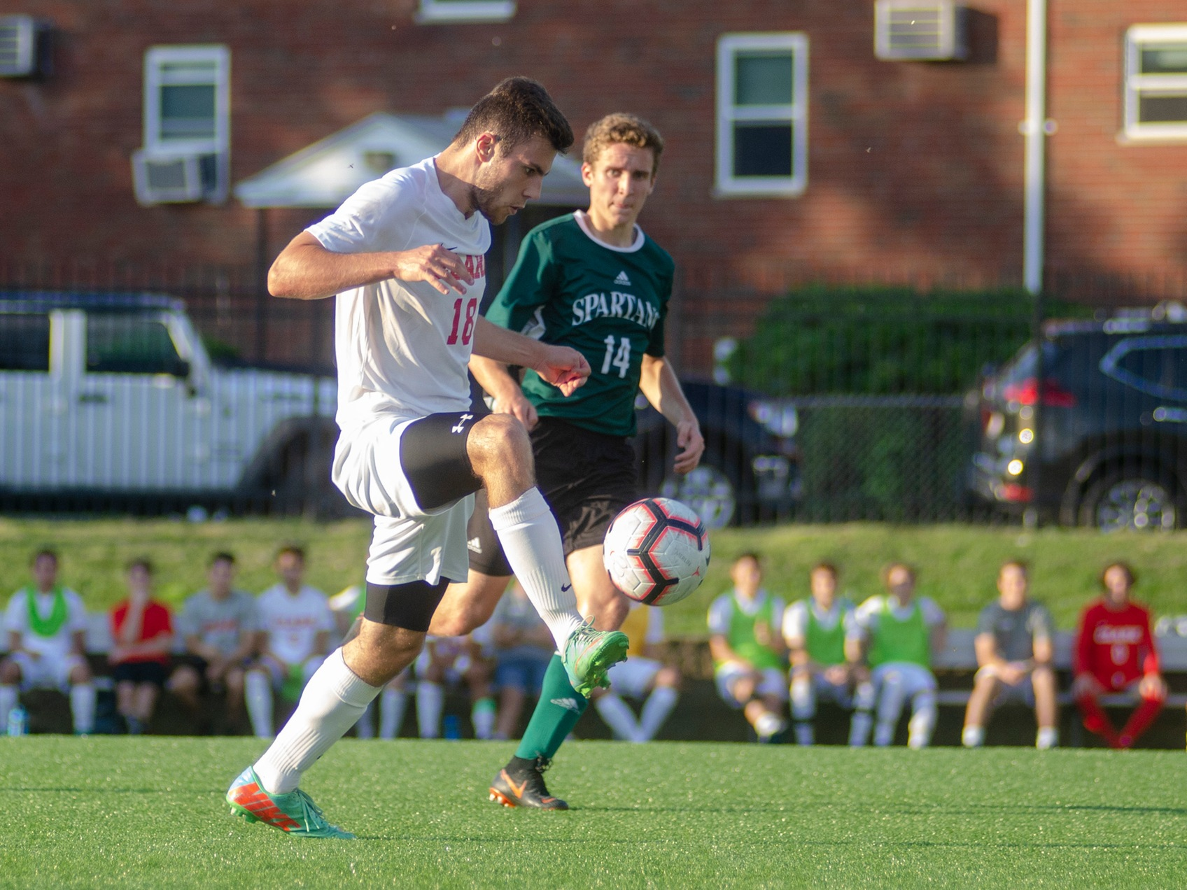 Cougars top Roger Williams at Home
