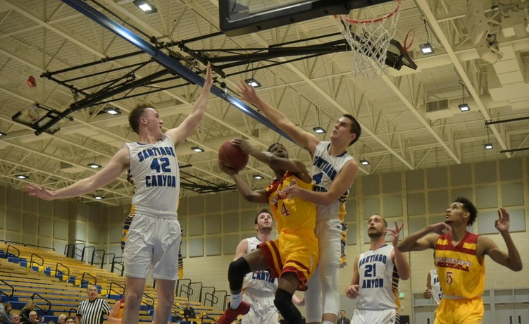 COD Men's Basketball struggles to grab foothold against Arabs, falls 91-77