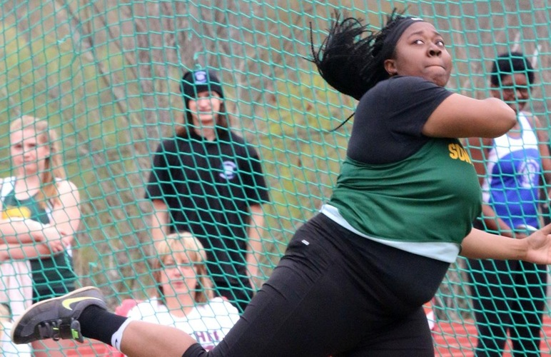 Echols and Holliday Throw New PR's at Cornell Denault Invite