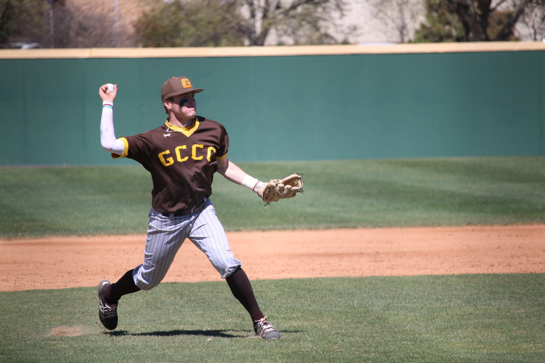 Dodge City Takes First Two From Garden City In Key Conference Series