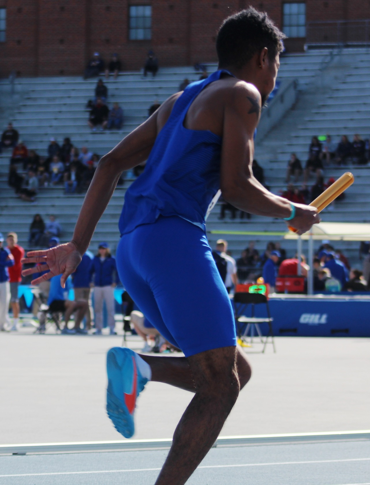 NIACC's Timothi McMaster starts the 4x100-meter relay at the Drake Relays in April.