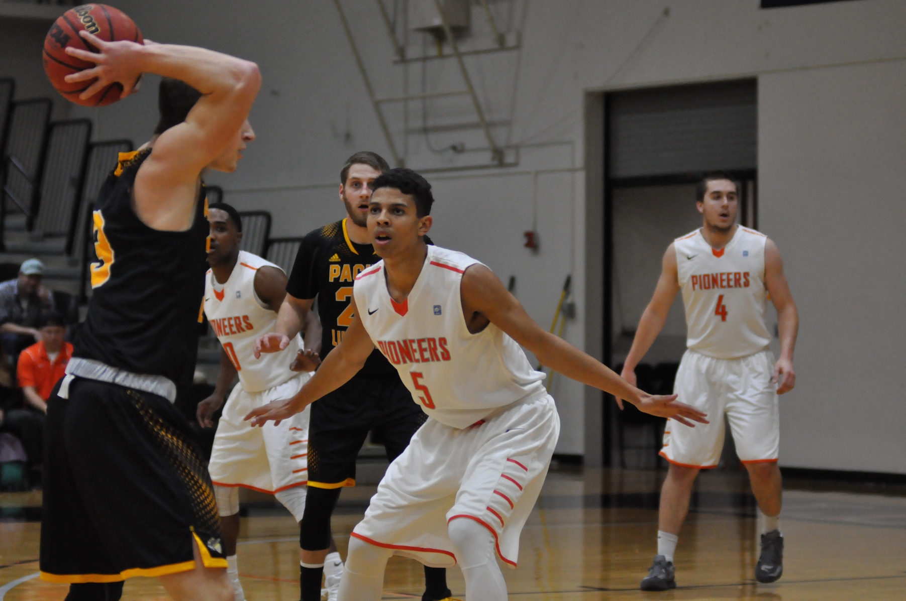 Lewis & Clark gets first win of season in NWC opener
