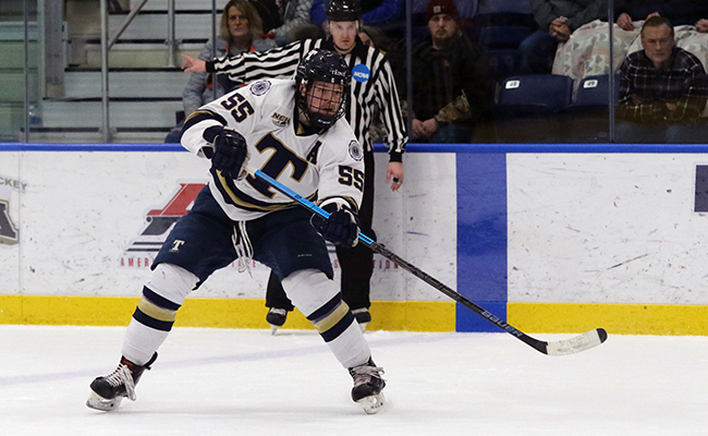Men's Hockey Soars in 8-2 Victory