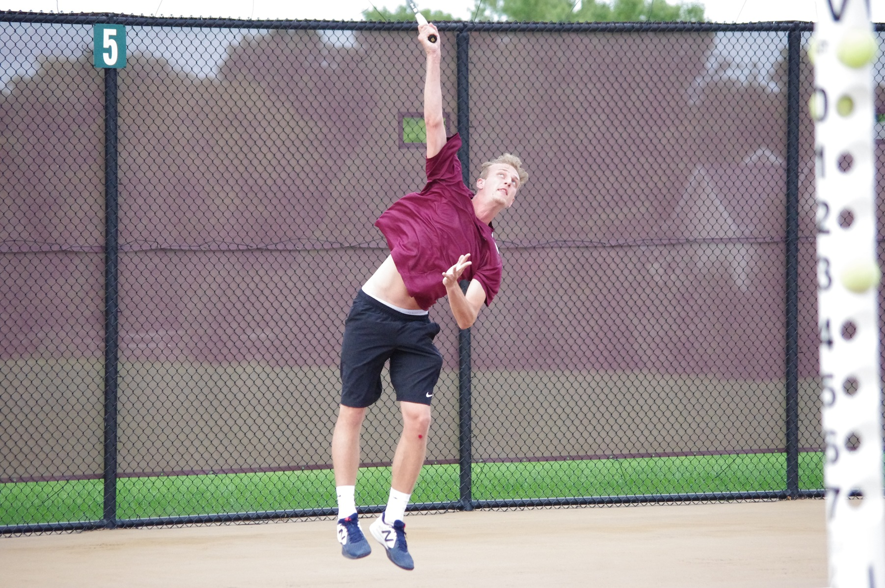 Men's Tennis Edged By Hillsdale
