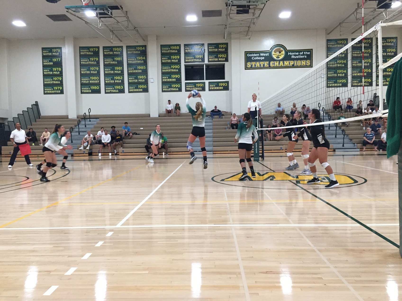 W Volleyball: Victorious in 5 Set Home Opener