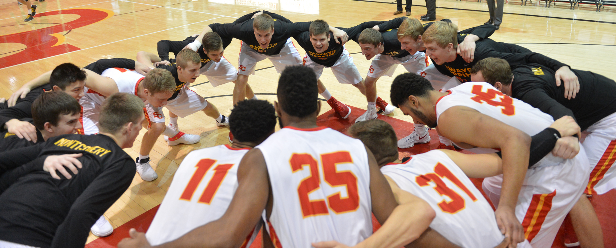 Men's basketball team, individuals collect academic awards