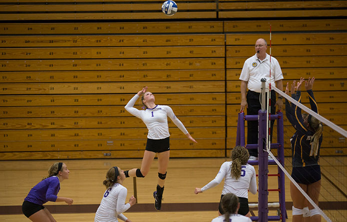 Women's volleyball falls to perennial regional heavyweight New Haven